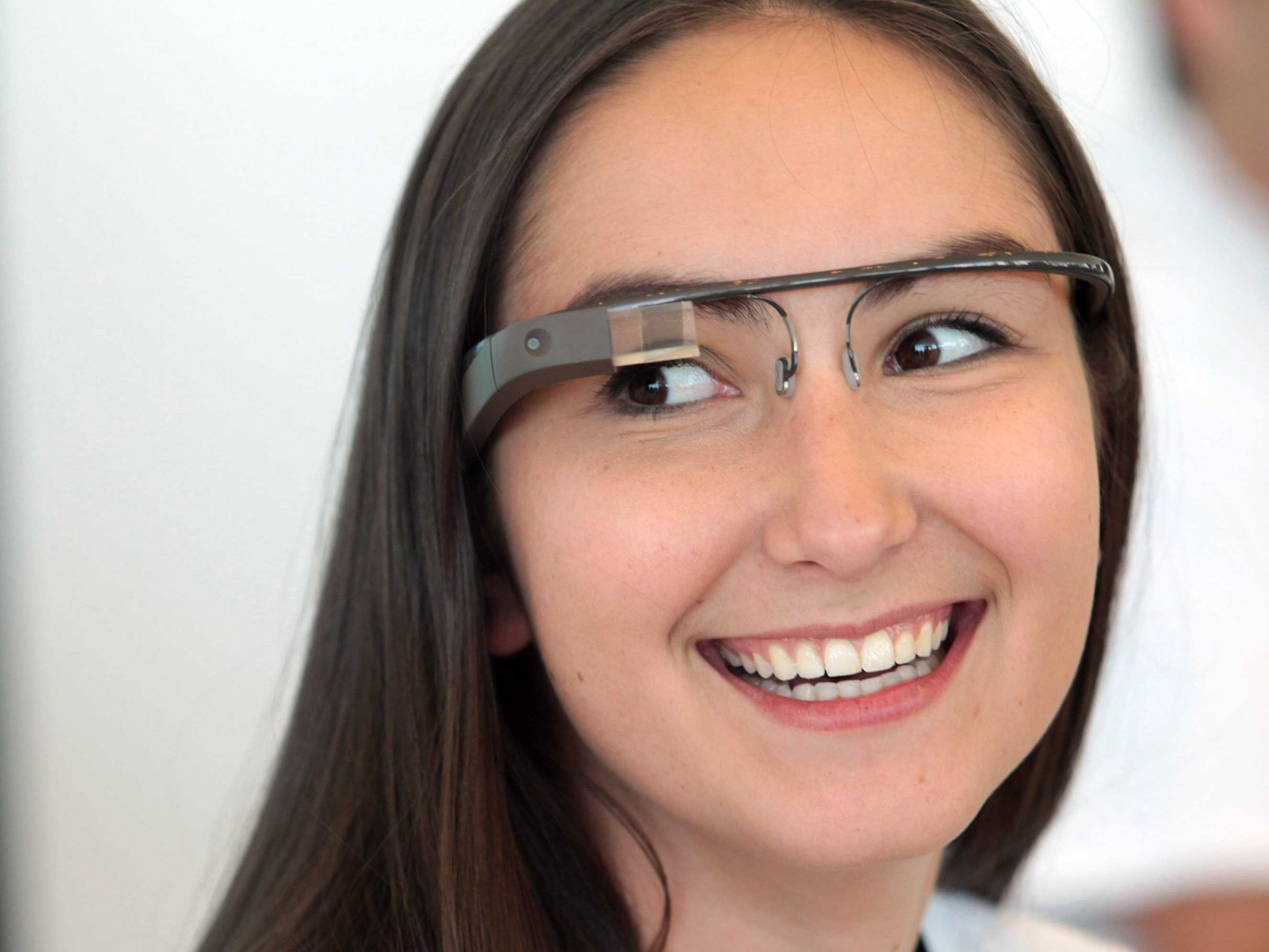 girl wearing google glass